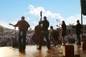 Images courtesy of Bloomin BBQ & Bluegrass