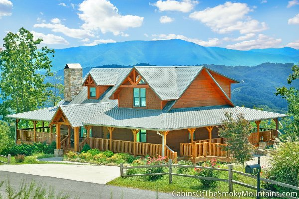 The deckhouse high luxury our 500th cabin for Www cabins of the smoky mountains com