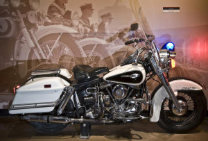 Harley-Davidson-Police-Motorcycle-1024x693