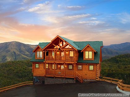 Large 8 20 br cabins in gatlinburg pigeon forge tn for Large cabin rentals in tennessee